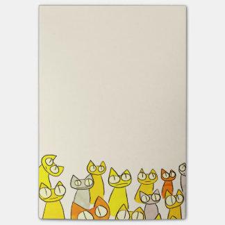 Gatos de la porción el mirar fijamente del naranja notas post-it®