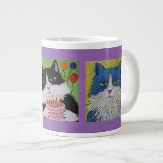 Gatos de los gatos de los gatos taza grande
