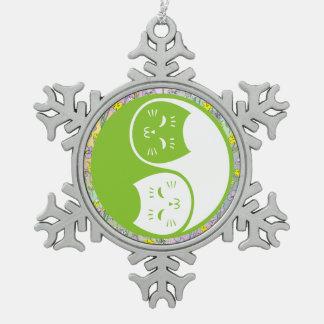 Gatos de Yin Yang en verde lima Adorno De Peltre En Forma De Copo De Nieve
