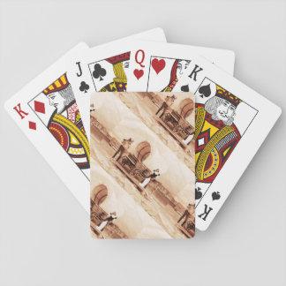 Gatos del oeste viejos con el carro cubierto cartas de juego