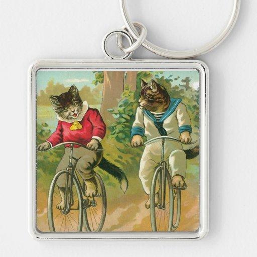 Gatos del vintage en la bicicleta llavero cuadrado plateado