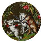Gatos del vintage: Tres buenos amigos Relojes De Pared