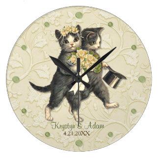 Gatos elegantes que casan la marfil reloj redondo grande