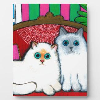 Gatos en el sofá placa de plastico