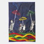 Gatos en la lluvia toalla de cocina
