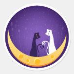 Gatos en la luna etiquetas redondas