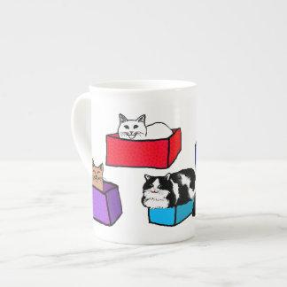 Gatos en taza colorida de la porcelana de hueso de taza de porcelana