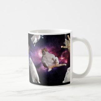 Gatos en taza del espacio