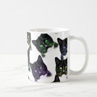Gatos frescos taza de café