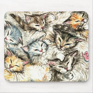 Gatos, gatitos, ratón rosado del juguete mouse pads