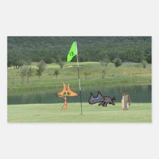 Gatos Golfing en el agujero 13
