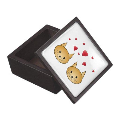 Gatos lindos del jengibre. Con los corazones rojos Caja De Joyas De Calidad