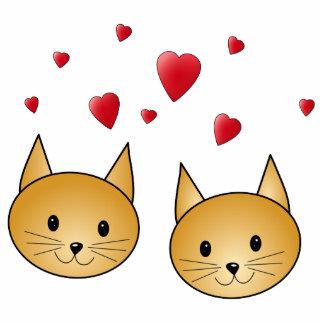 Gatos lindos del jengibre. Con los corazones rojos Fotoescultura Vertical