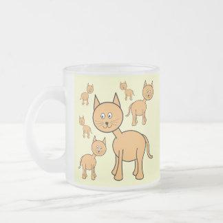 Gatos lindos del jengibre. Historieta anaranjada d Tazas De Café
