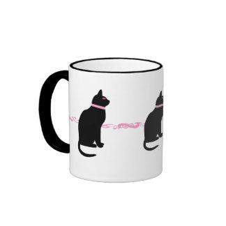 Gatos negros con los ojos rosados taza de dos colores