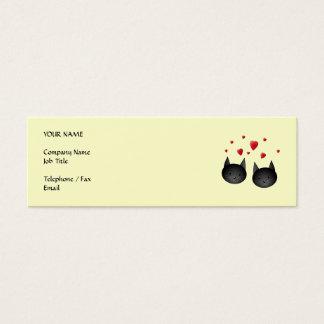 Gatos negros lindos con los corazones, en la crema tarjetas de visita mini