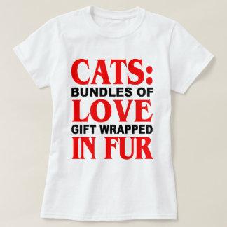 Gatos: Paquetes de regalo del amor envueltos en Playera
