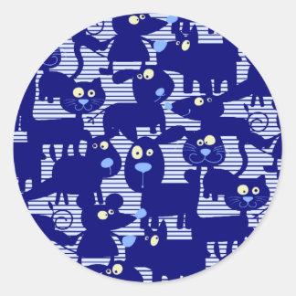Gatos - perros y ratones en azul pegatina redonda