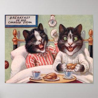 Gatos que desayunan en cama póster