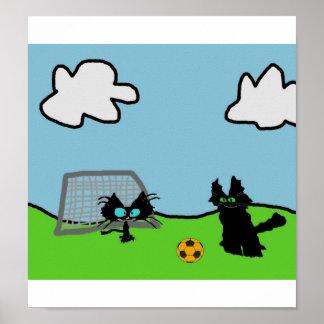 Gatos que juegan a fútbol