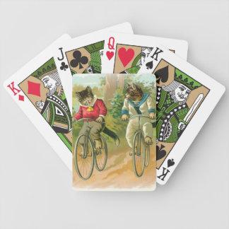 Gatos que montan las bicis baraja de cartas