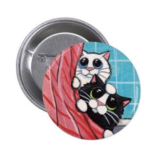 Gatos que toman una ducha - botón del arte del gat pin redondo de 2 pulgadas