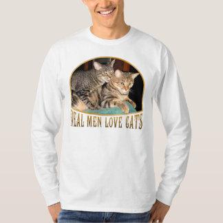 Gatos reales del amor de los hombres camisas