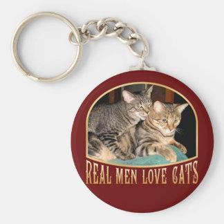 Gatos reales del amor de los hombres llaveros