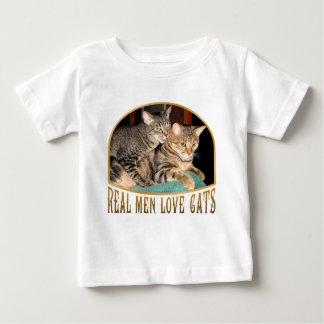 Gatos reales del amor de los hombres tee shirt