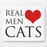 Gatos reales del amor de los hombres tapetes de ratones