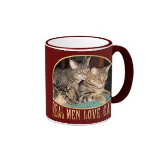 Gatos reales del amor de los hombres taza de dos colores