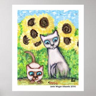 Gatos siameses con Caterpillar y los girasoles Póster