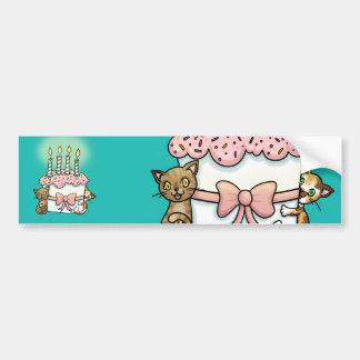 Gatos y cumpleaños de la torta pegatina para auto