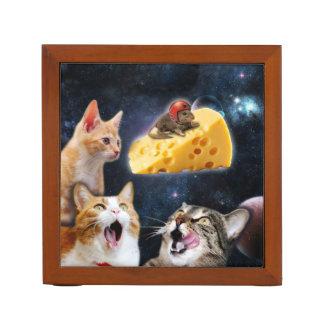 Gatos y el ratón en el queso portalápices