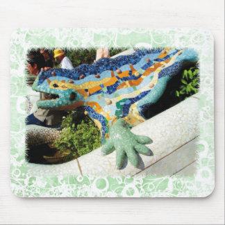 Gaudi Lizard - green floral mousepad
