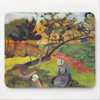 Gauguin; Paisaje con dos mujeres bretonas Alfombrillas De Ratones