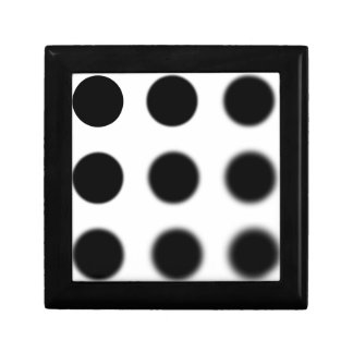 Gaussian 9 grid.png small square gift box