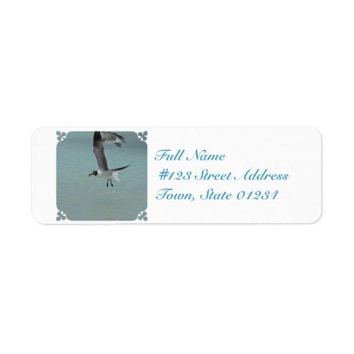 Gaviota del vuelo etiqueta de remite