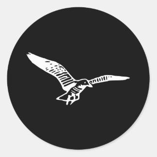 Gaviota del vuelo etiquetas redondas