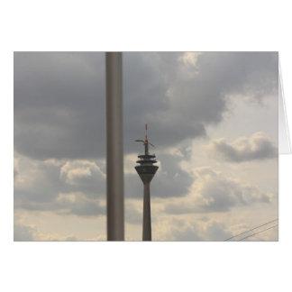 gaviota sobre duesseldorf tarjeta de felicitación