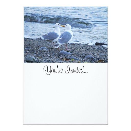 Gaviotas que se besan en la foto de la playa invitación 12,7 x 17,8 cm