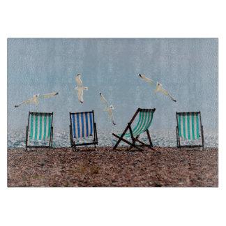 Gaviotas y Deckchairs de la playa Tablas Para Cortar
