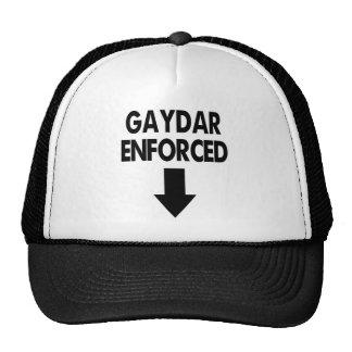 Gaydar hizo cumplir gorros bordados