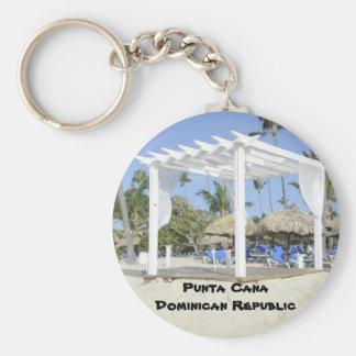 gazebo blanco en la playa llavero redondo tipo pin