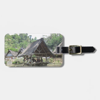 gazeebo de bambú viejo etiquetas para maletas
