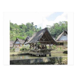 gazeebo de bambú viejo tarjeta postal