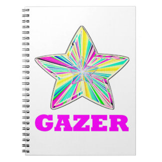Gazer de la estrella en rosa libreta