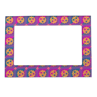 Gearwheels pattern magnetic picture frame