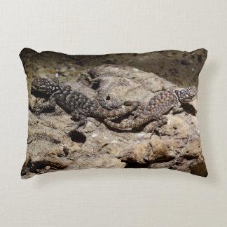gecko accent pillow