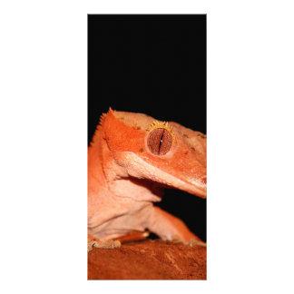 gecko con cresta diseño de tarjeta publicitaria